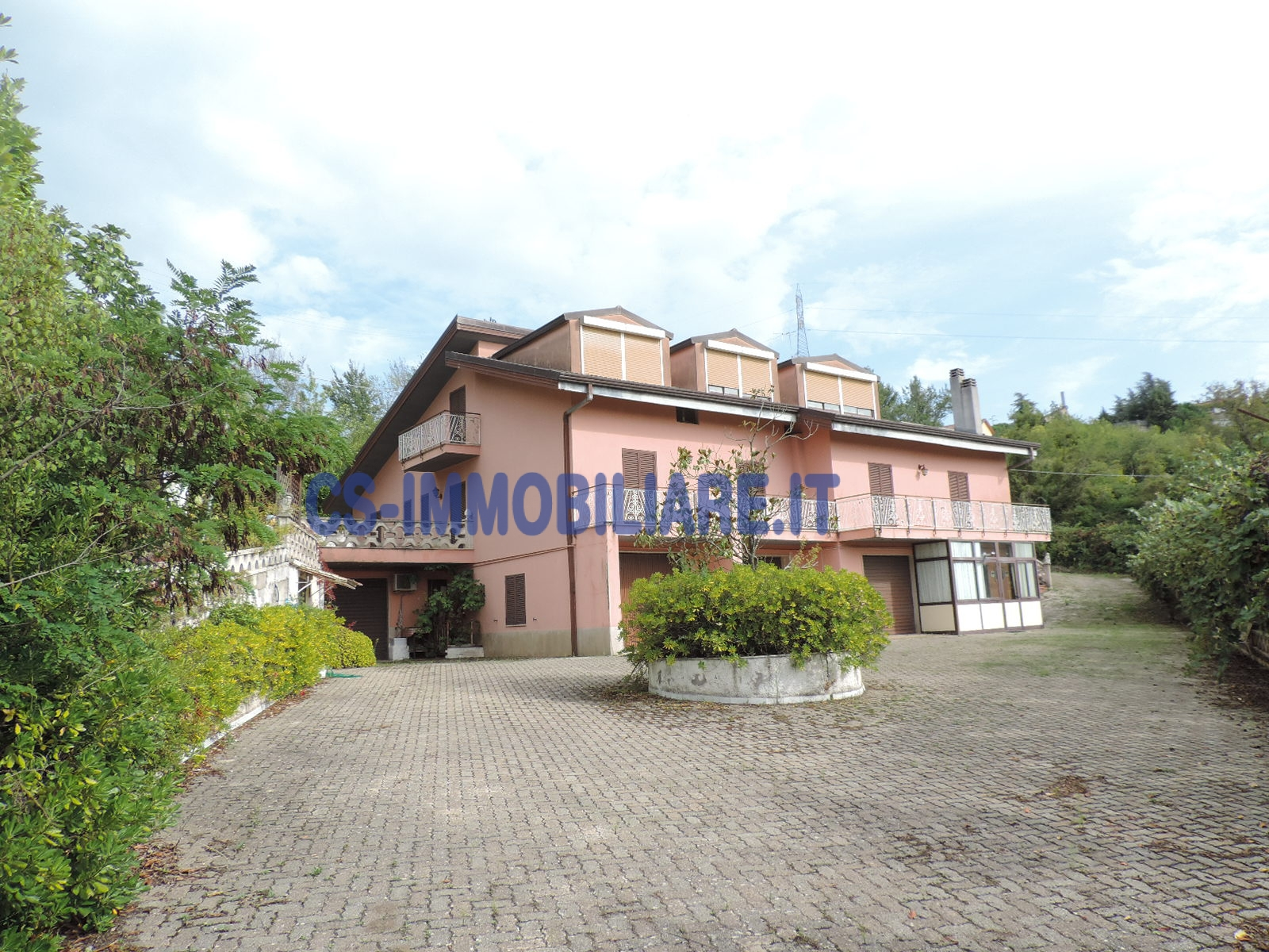 Villa in vendita a Potenza, 20 locali, prezzo € 800.000   Cambio Casa.it