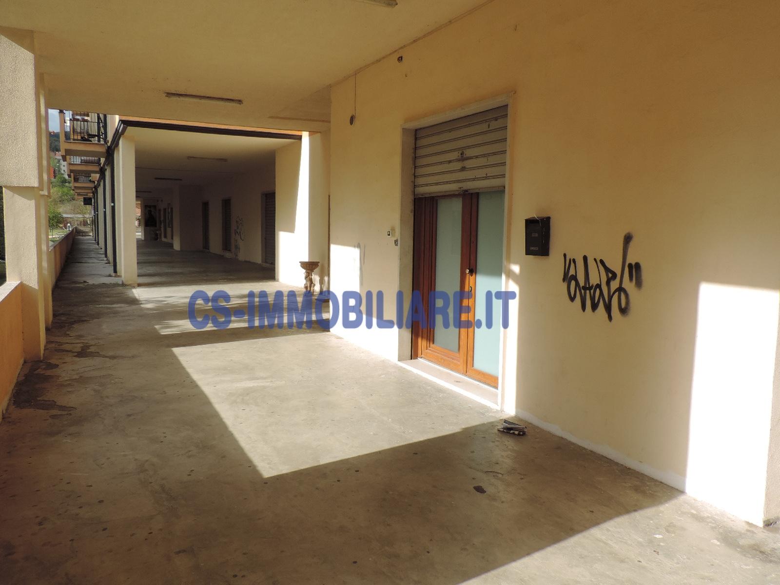Ufficio / Studio in affitto a Potenza, 9999 locali, zona Località: PoggioTreGalli, prezzo € 230 | CambioCasa.it