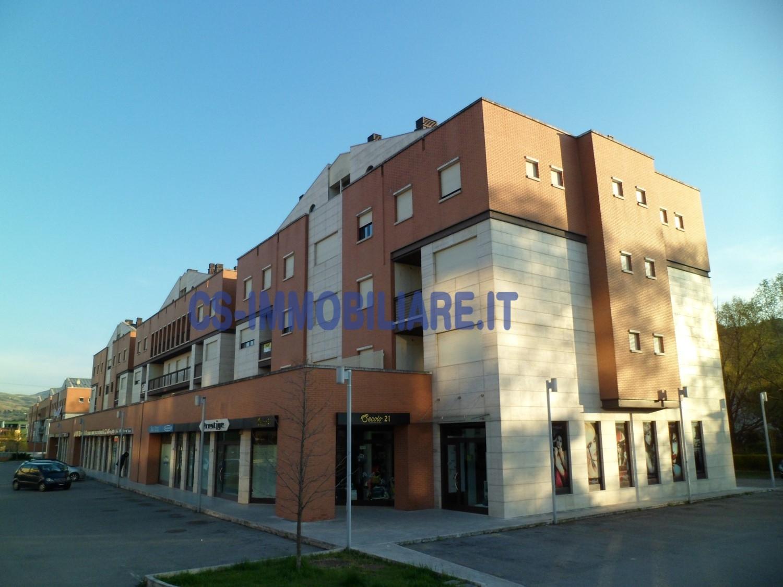 Appartamento in vendita a Potenza, 7 locali, zona Località: ViadelGallitello, prezzo € 380.000 | CambioCasa.it
