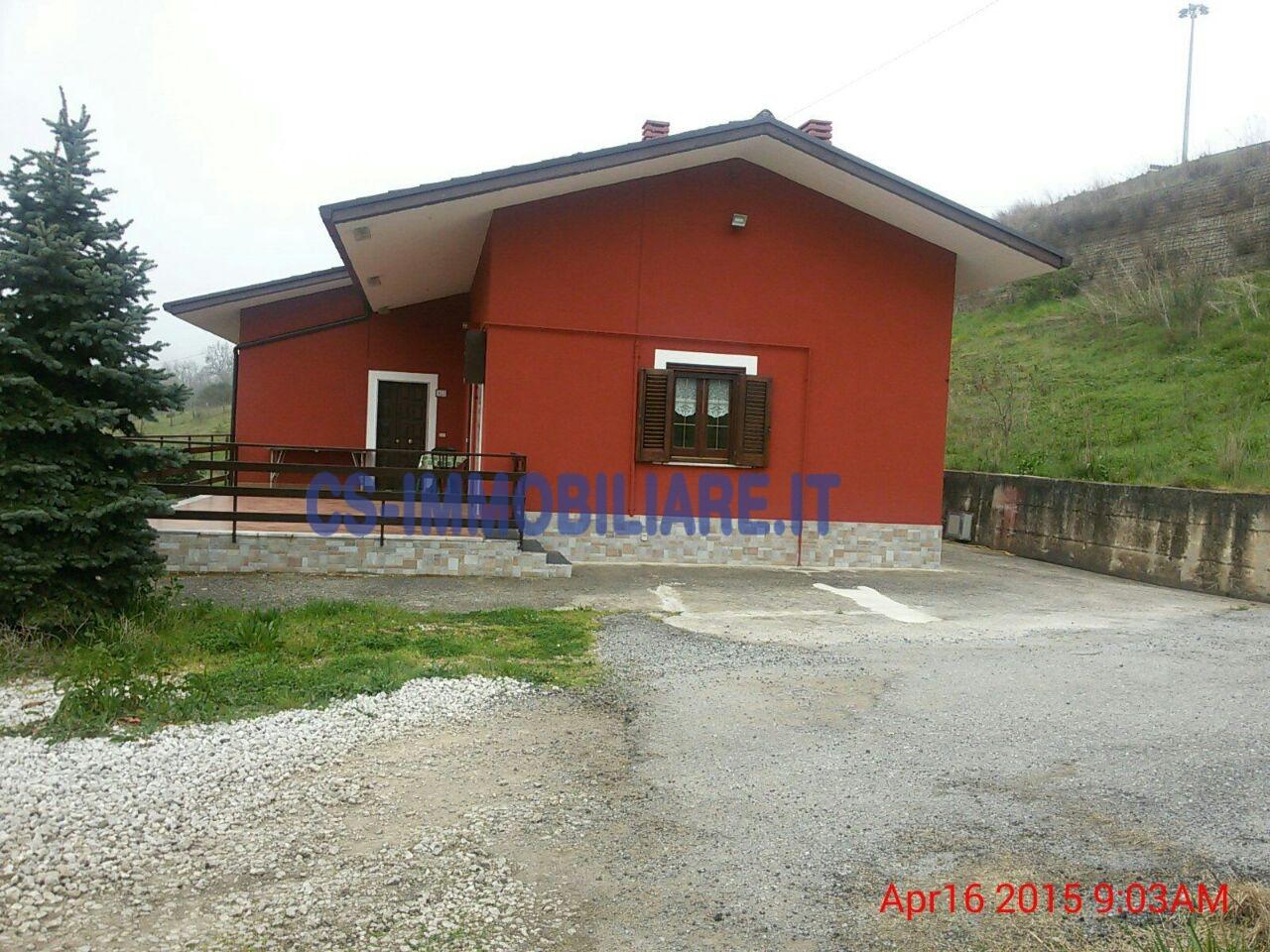 Villa in affitto a Picerno, 4 locali, prezzo € 400 | CambioCasa.it