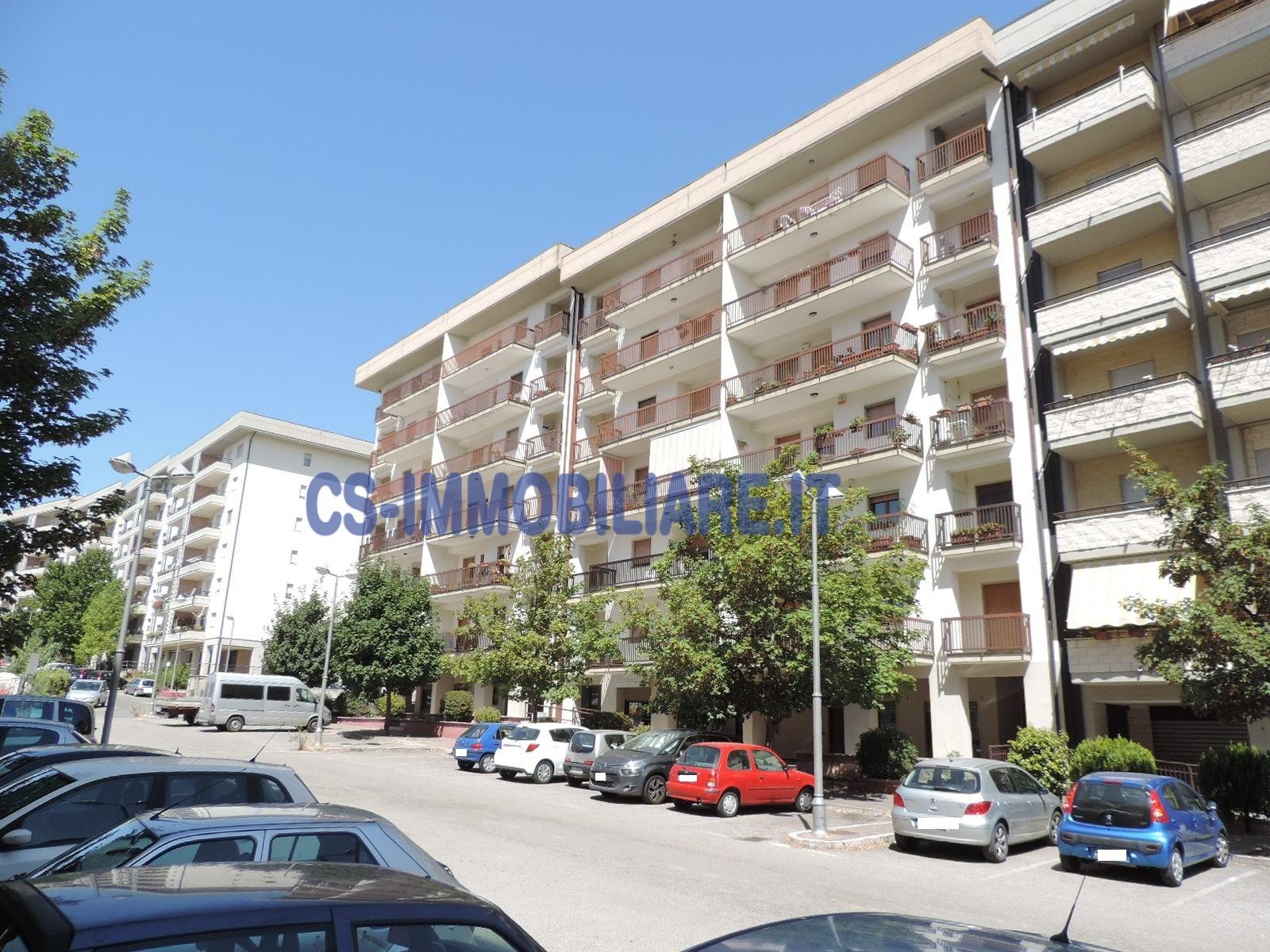 Appartamento in affitto a Potenza, 5 locali, zona Località: MacchiaRomanaCooperativa, prezzo € 500 | CambioCasa.it