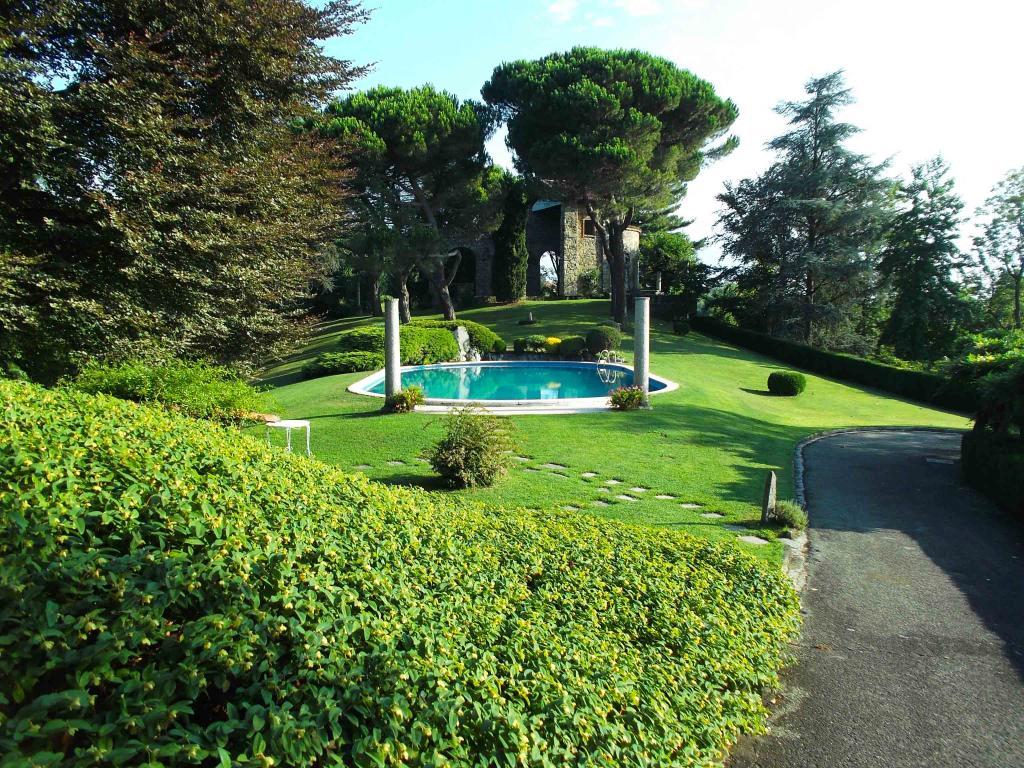 Villa in Vendita a Cavaglia': 5 locali, 450 mq