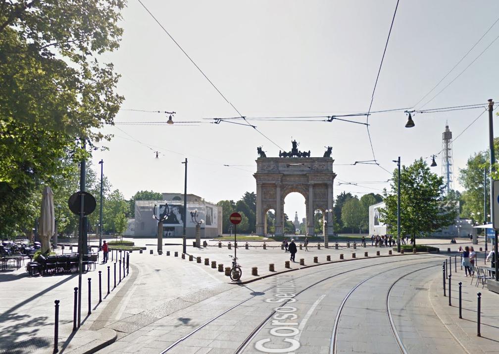 Bilocale Milano Via Luigi Canonica 5
