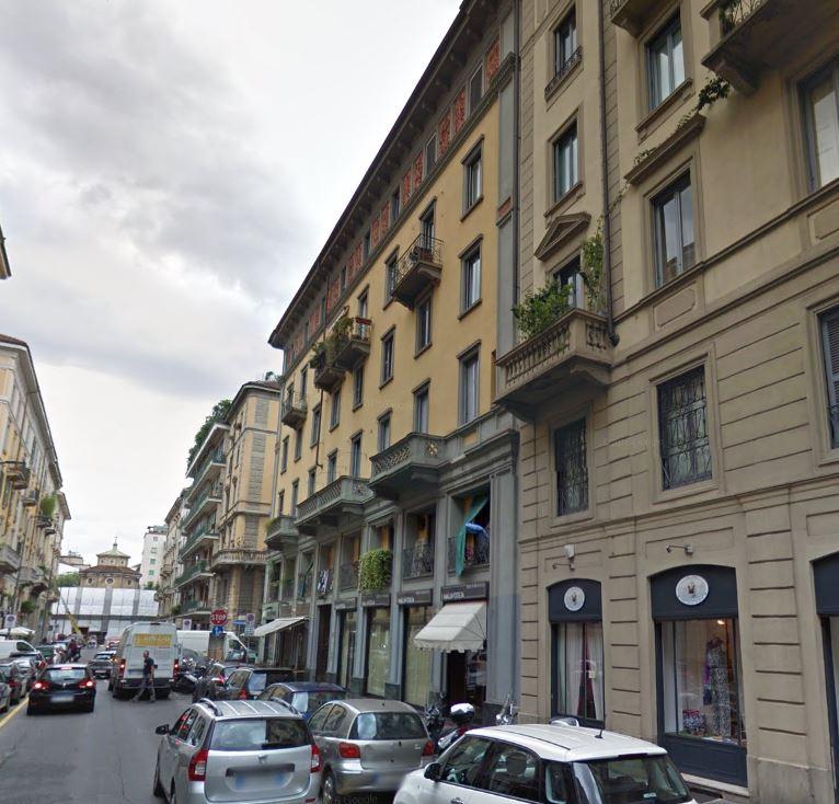 Bilocale Milano Via Lecco 1