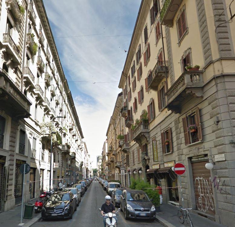 Bilocale Milano Via Lecco 4