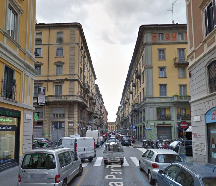 Bilocale Milano Via Lecco 9