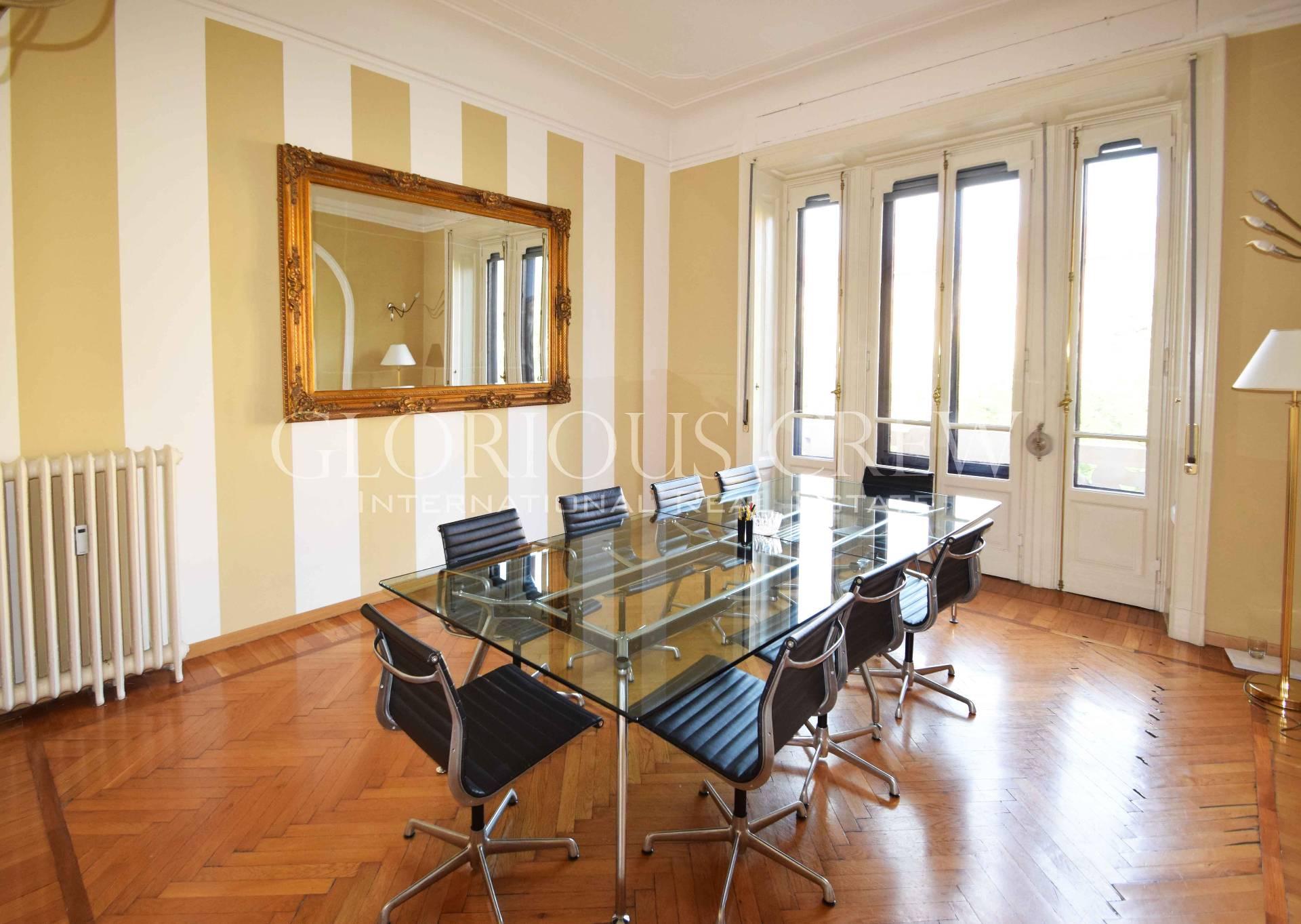 Appartamento in Vendita a Milano via viale bianca maria