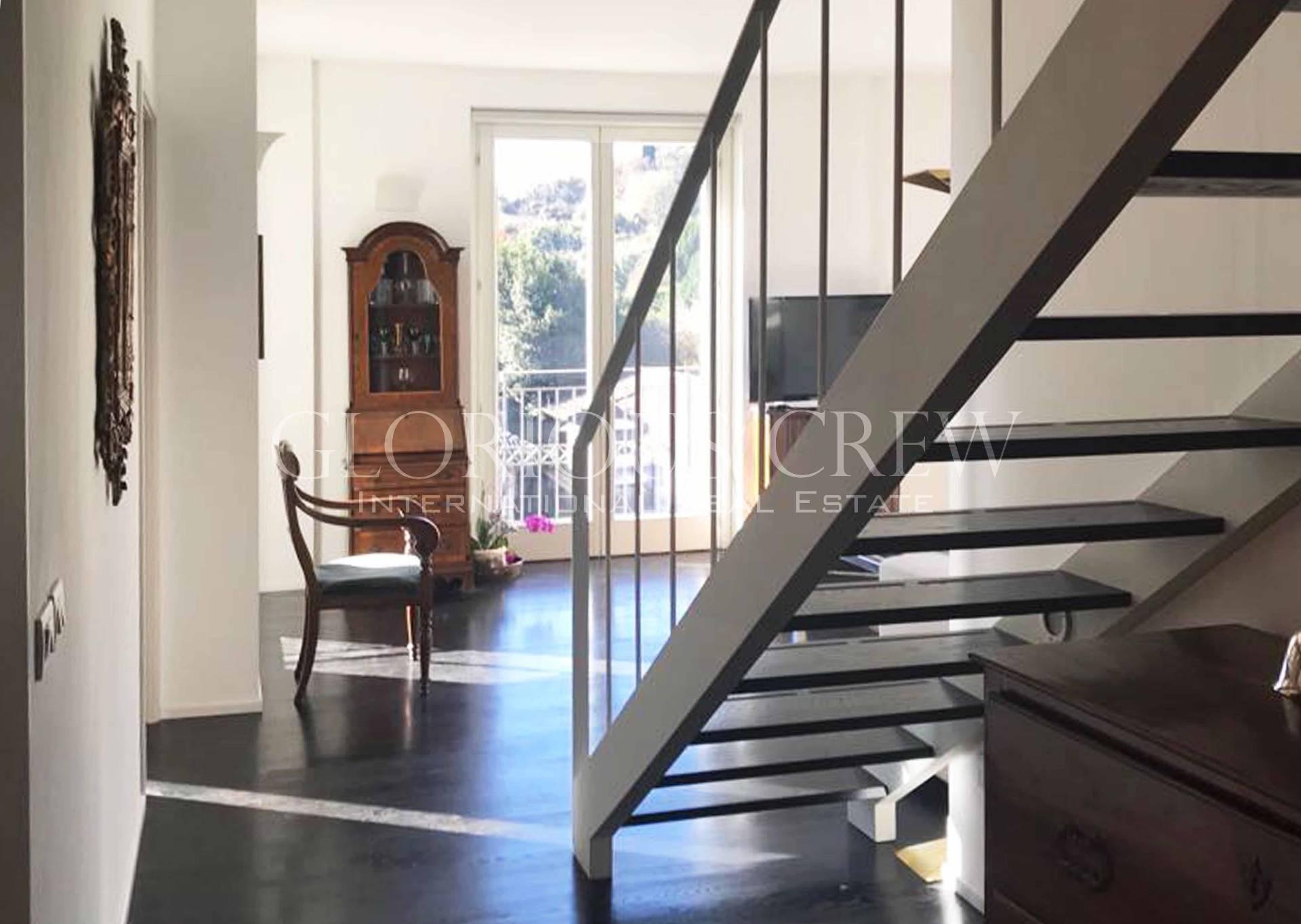 Appartamento in Vendita a Angera: 4 locali, 149 mq