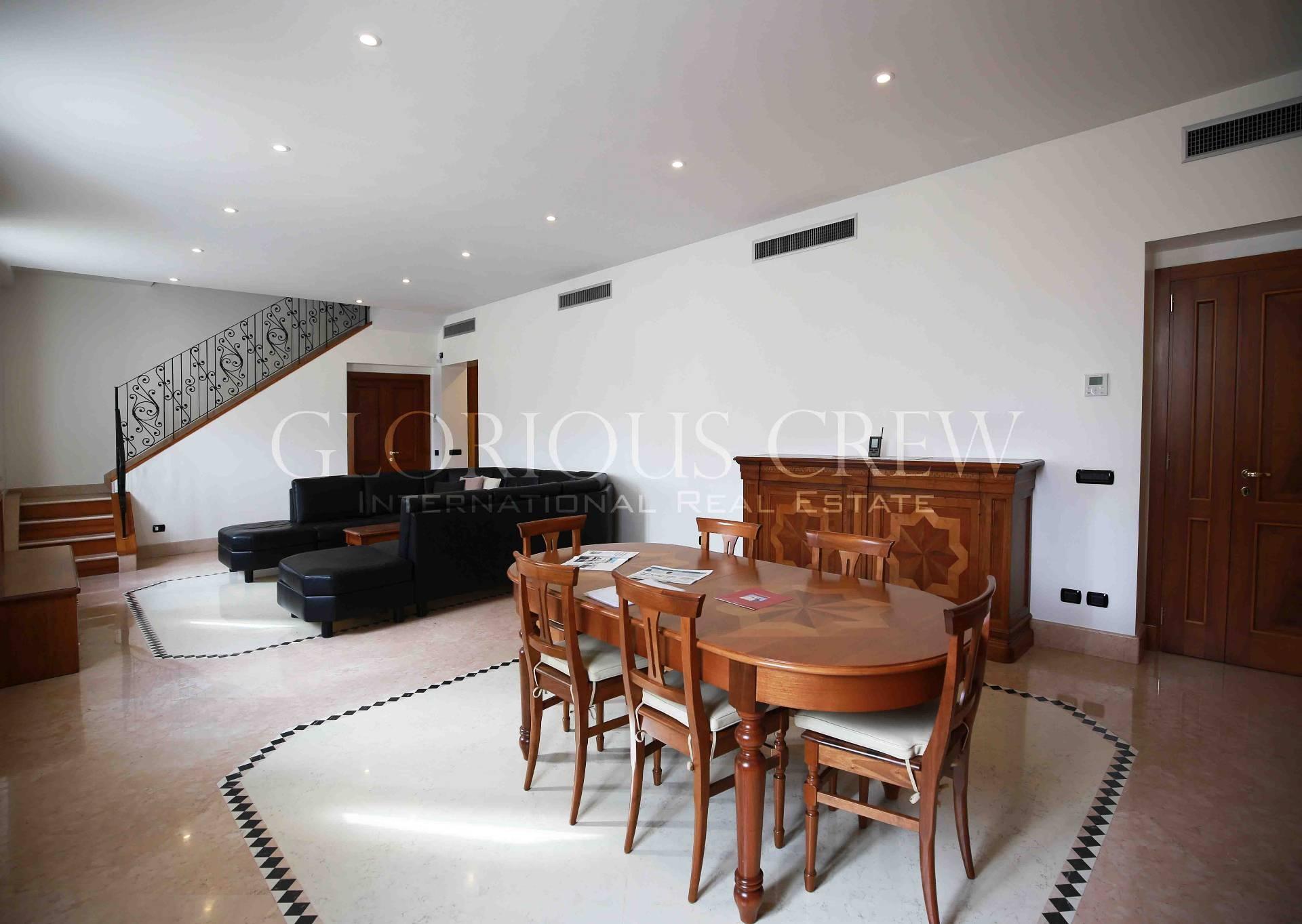 Appartamento di lusso in vendita a milano via giovanni for Planimetrie a un piano con due master suite