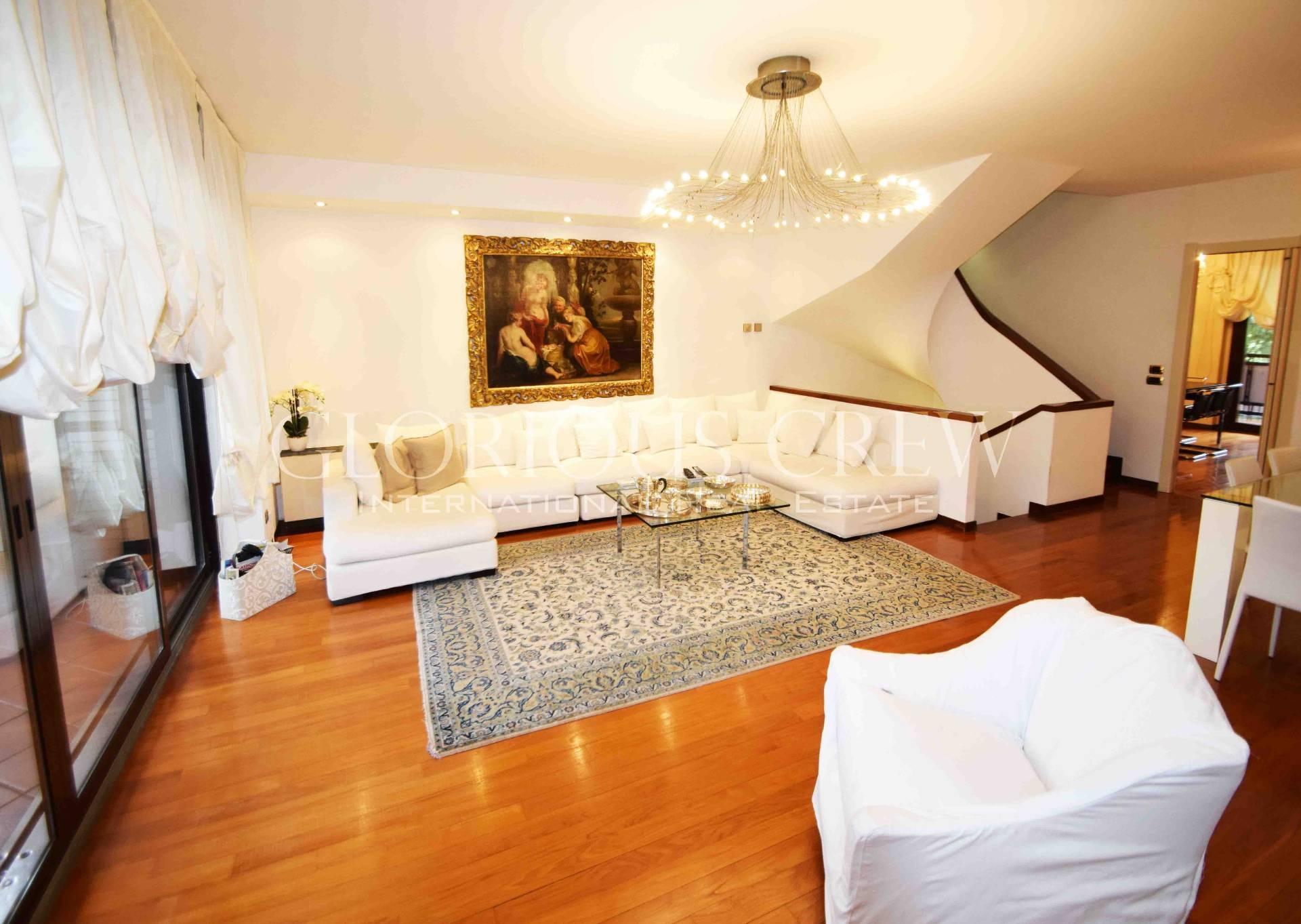 Villa in Vendita a Basiglio:  5 locali, 300 mq  - Foto 1