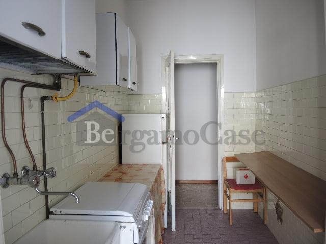 Bilocale Bergamo Via Borgo Palazzo 4