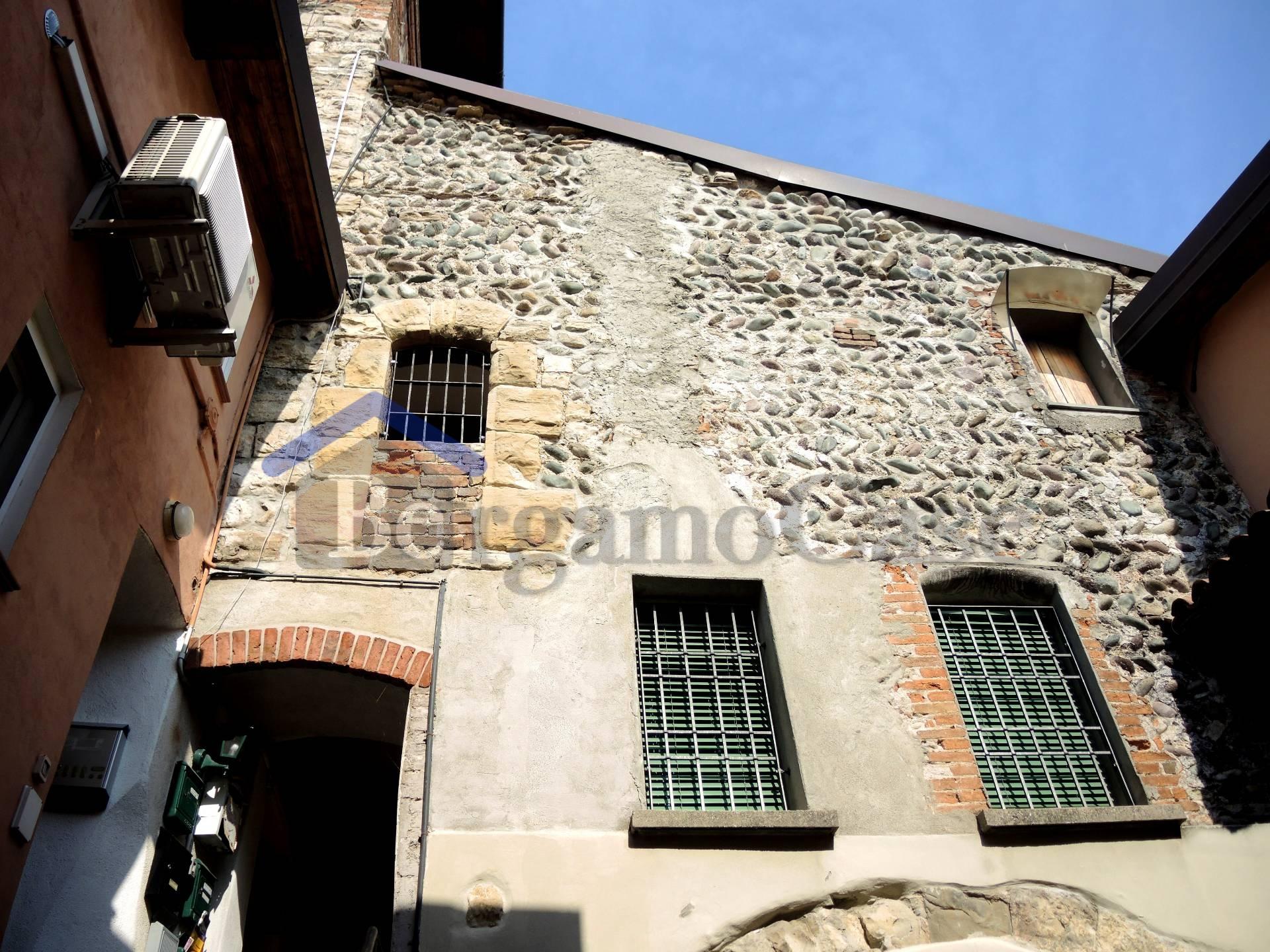 Bilocale Bergamo Bergamo Via Campagnola 8