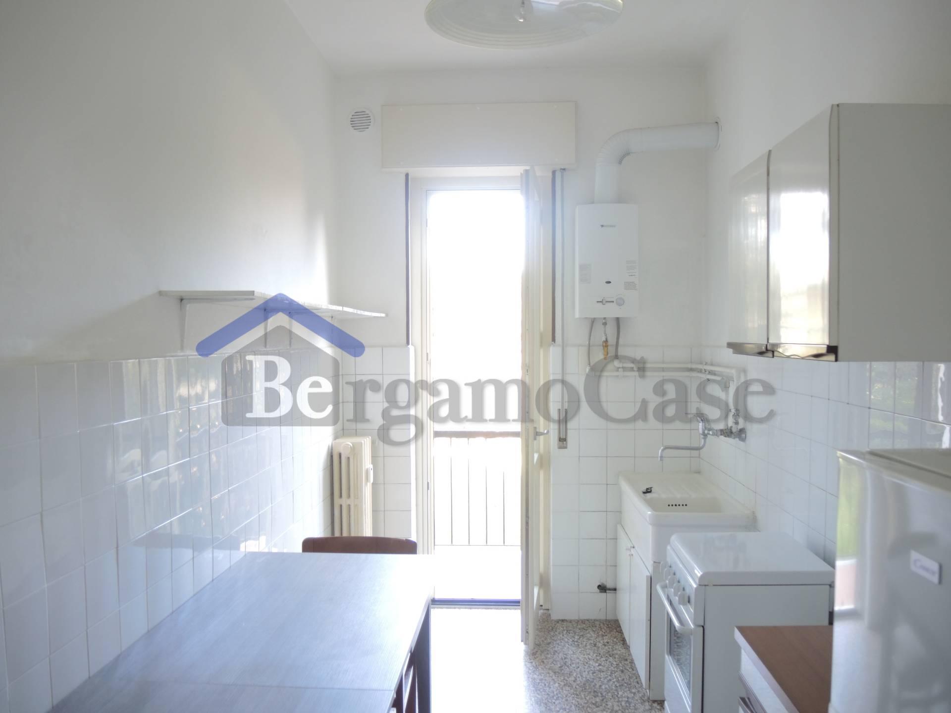 Bilocale Bergamo Via Longuelo 3