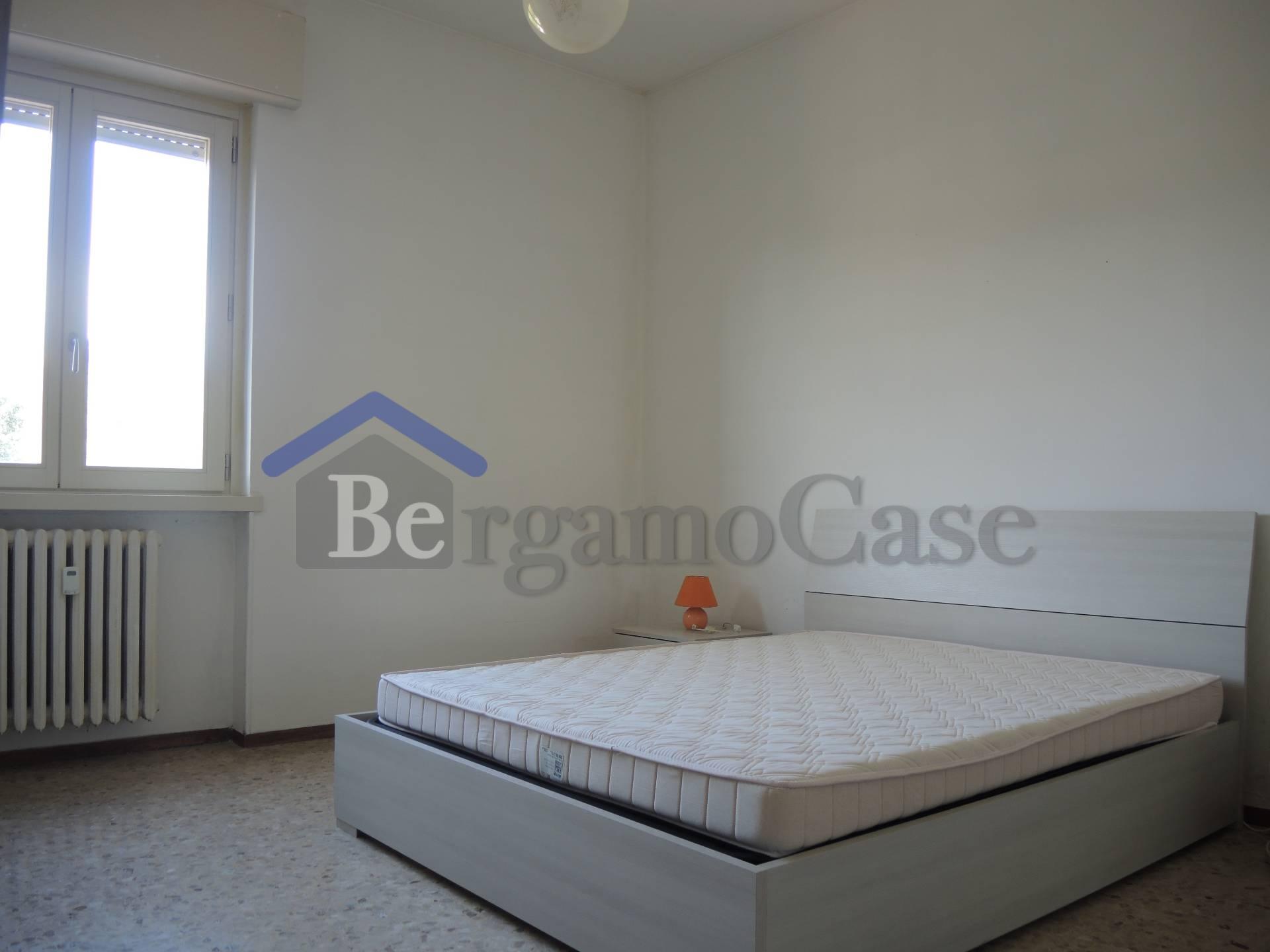 Bilocale Bergamo Via Longuelo 5