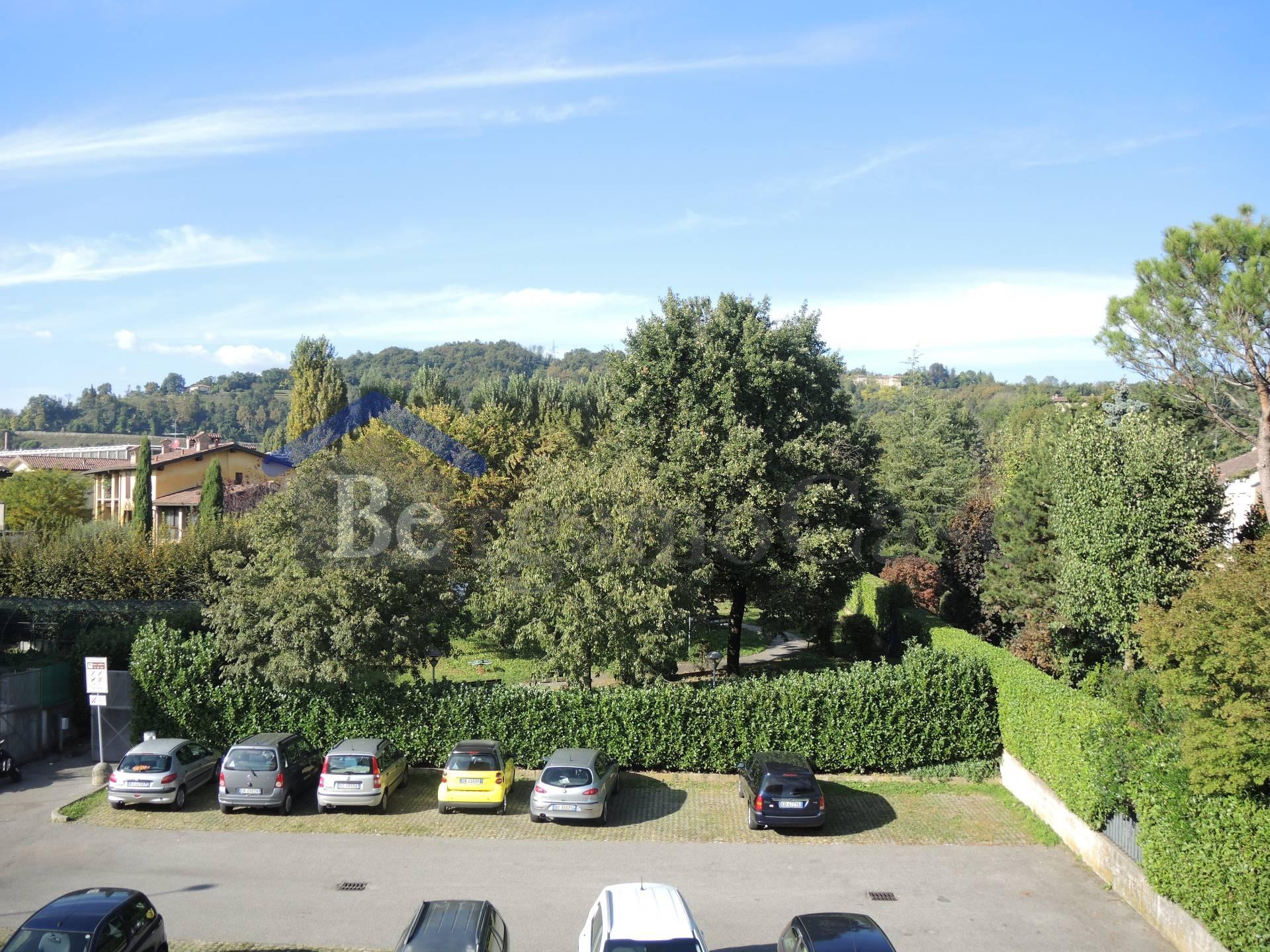 Bilocale Bergamo Via Longuelo 10