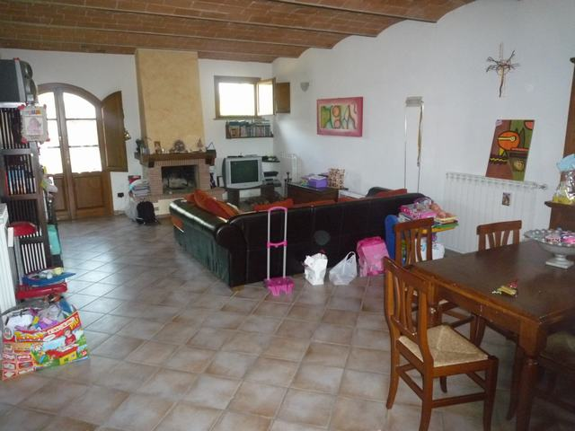 Soluzione Indipendente in vendita a Cascina, 4 locali, zona Località: Cascina, prezzo € 190.000 | Cambio Casa.it
