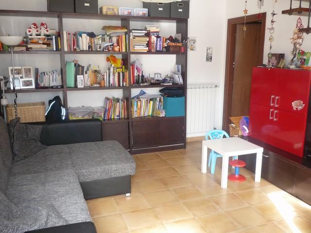 Appartamento in vendita a Calcinaia, 4 locali, zona Zona: Fornacette, prezzo € 127.000 | Cambio Casa.it