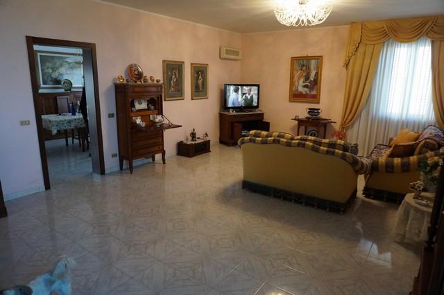 Villa in vendita a Cascina, 8 locali, zona Località: SanFrediano, prezzo € 395.000 | Cambio Casa.it