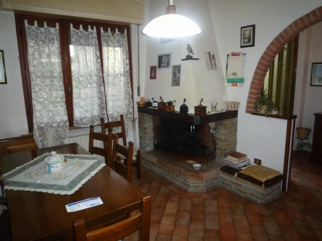 Villa in vendita a Bientina, 4 locali, zona Località: QuattroStrade, prezzo € 239.000 | Cambio Casa.it