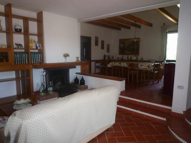 Villa in vendita a Cascina, 6 locali, zona Zona: Latignano, prezzo € 330.000 | Cambio Casa.it