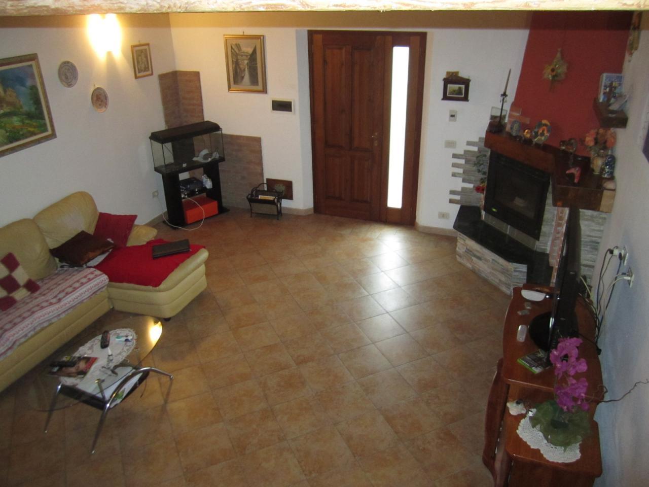Soluzione Indipendente in vendita a Cascina, 8 locali, zona Località: SanLorenzoalleCorti, prezzo € 380.000 | Cambio Casa.it
