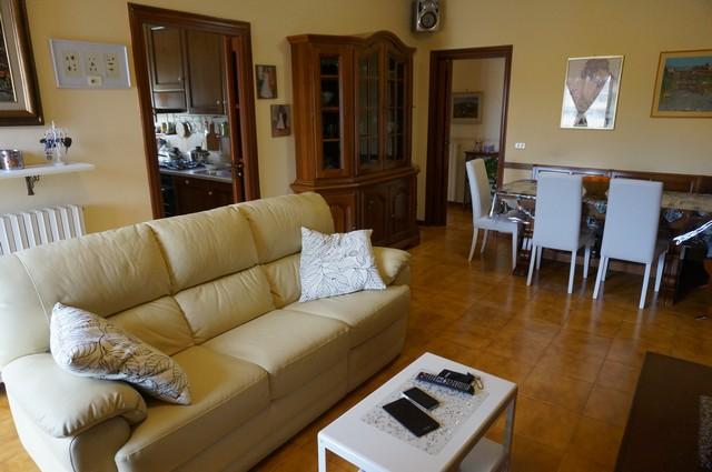 Appartamento in vendita a Cascina, 5 locali, zona Località: Centro, prezzo € 135.000 | Cambio Casa.it