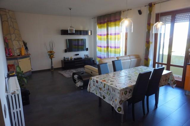 Appartamento in vendita a San Giuliano Terme, 4 locali, zona Zona: Mezzana, prezzo € 187.000 | Cambio Casa.it
