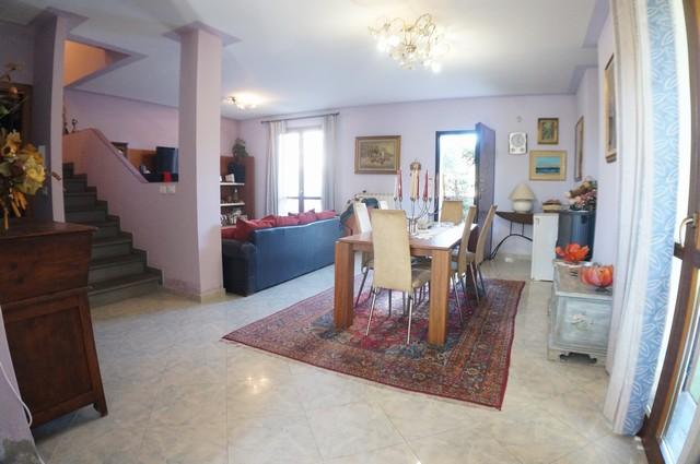 Villa in vendita a Cascina, 6 locali, zona Zona: Latignano, prezzo € 269.000 | Cambio Casa.it