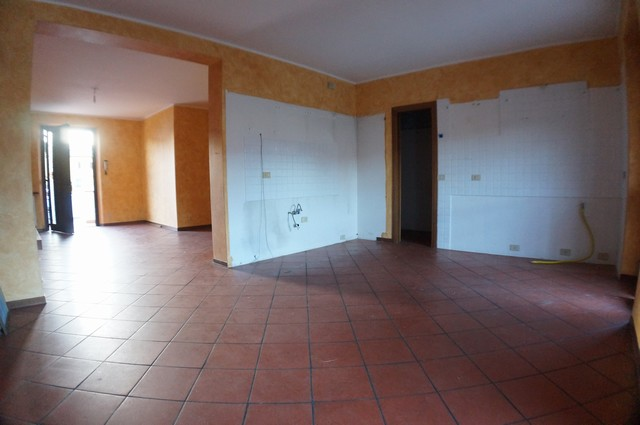 Villa a Schiera in Vendita a Cascina