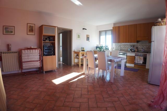 Appartamento in vendita a Cascina, 3 locali, zona Località: SanBenedetto, prezzo € 129.000 | Cambio Casa.it