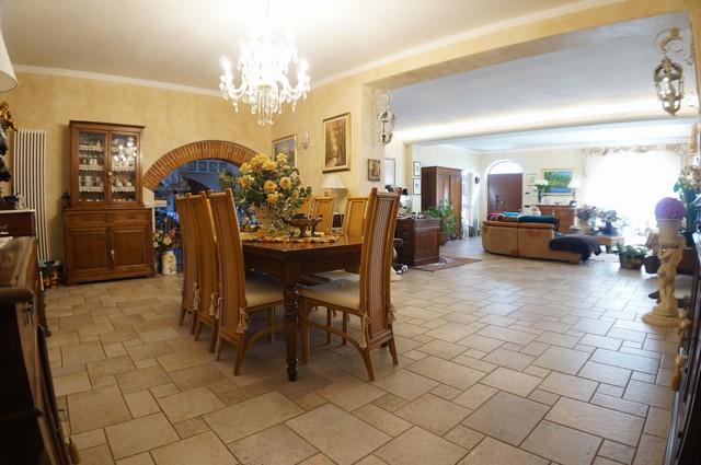 Rustico / Casale in vendita a San Giuliano Terme, 9 locali, zona Zona: Ghezzano, prezzo € 520.000 | CambioCasa.it