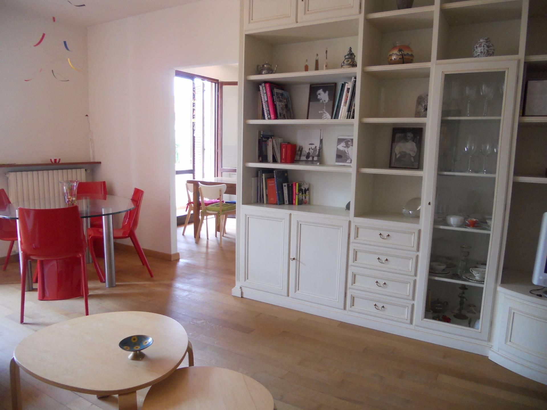 Appartamento in affitto a Bientina, 5 locali, zona Località: Centro, prezzo € 750 | CambioCasa.it