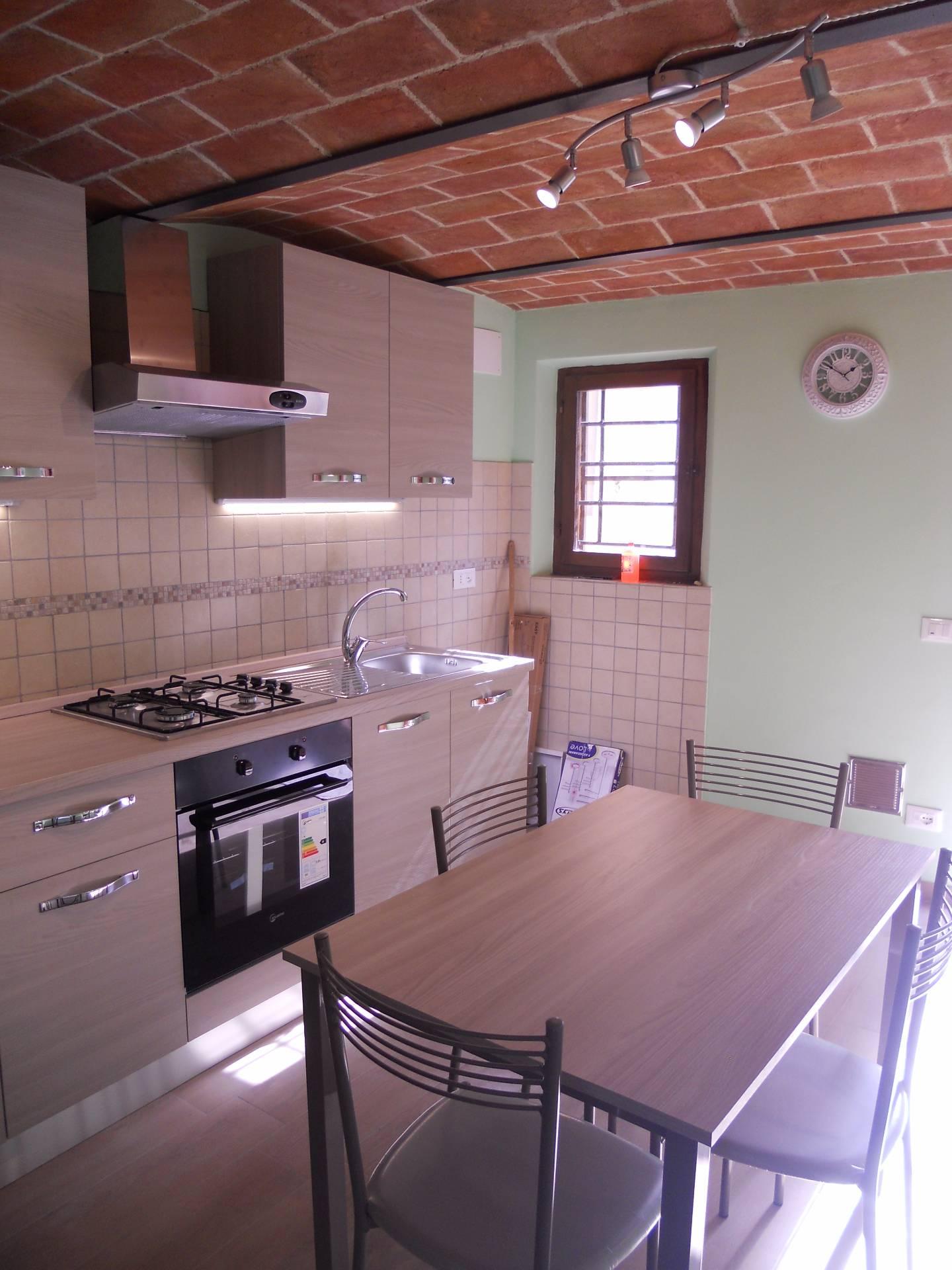 Soluzione Indipendente in affitto a Calci, 3 locali, prezzo € 530 | CambioCasa.it