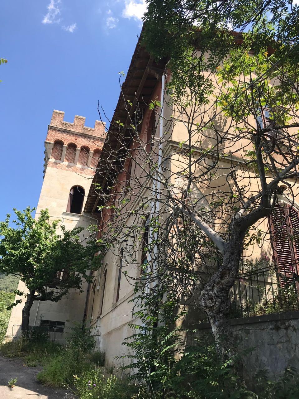 Palazzo / Stabile in vendita a San Giuliano Terme, 9999 locali, prezzo € 400.000 | CambioCasa.it