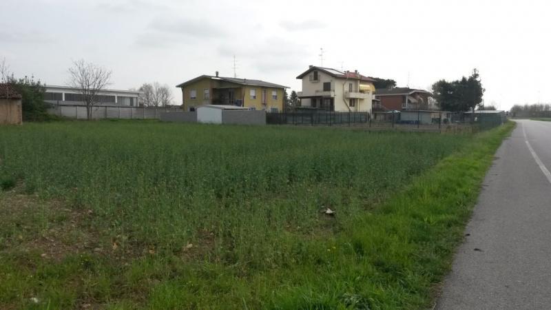 Terreno vendita MAGNAGO (MI) - 7 LOCALI - 2000 MQ