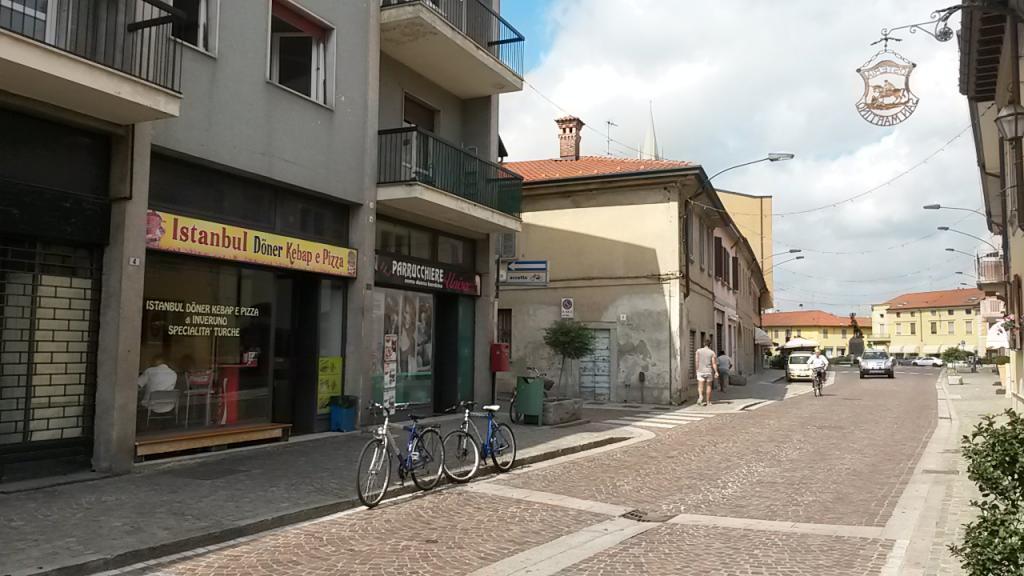Negozio / Locale in vendita a Inveruno, 9999 locali, prezzo € 120.000 | Cambio Casa.it