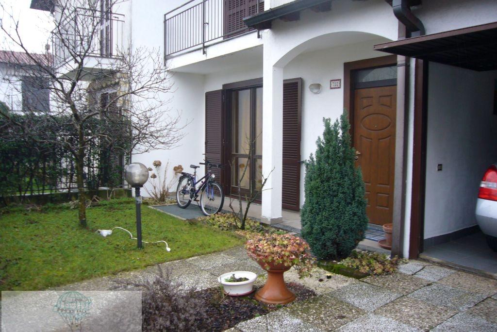 Villa in vendita a Arconate, 3 locali, prezzo € 220.000 | Cambio Casa.it