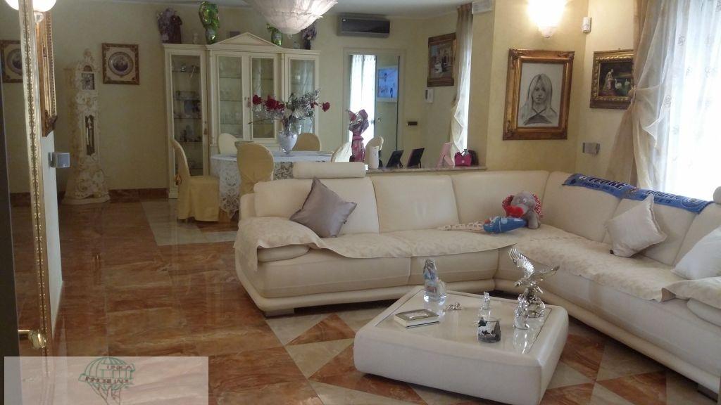 Appartamento in vendita a Santo Stefano Ticino, 4 locali, prezzo € 450.000 | Cambio Casa.it