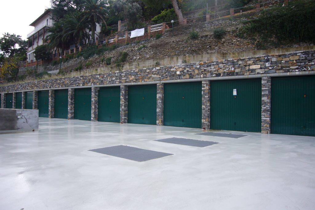 Box / Garage in Vendita a Alassio