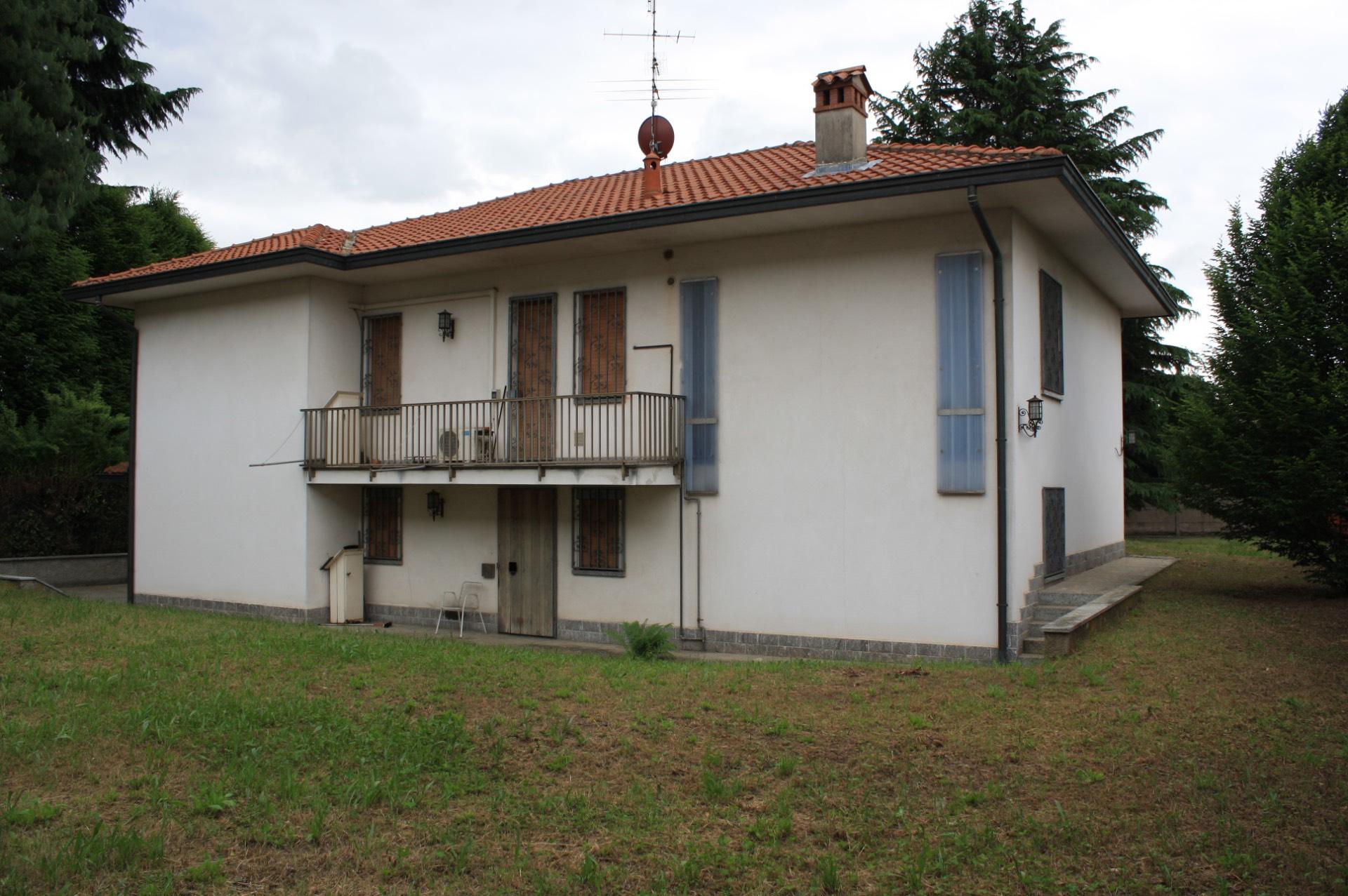Villa in vendita a Vittuone, 5 locali, prezzo € 380.000 | Cambio Casa.it