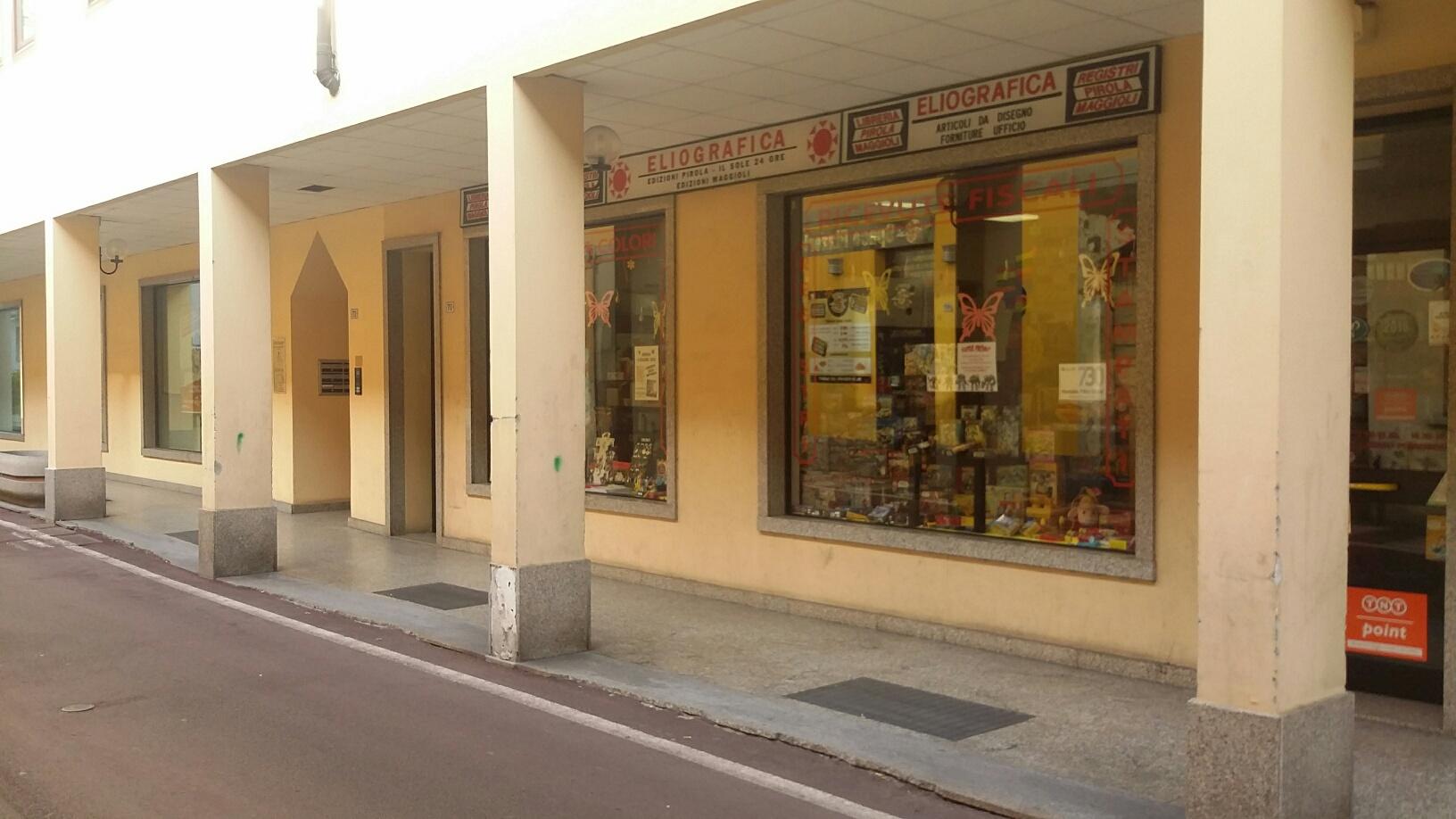 Negozio / Locale in affitto a Magenta, 9999 locali, prezzo € 1.500 | Cambio Casa.it