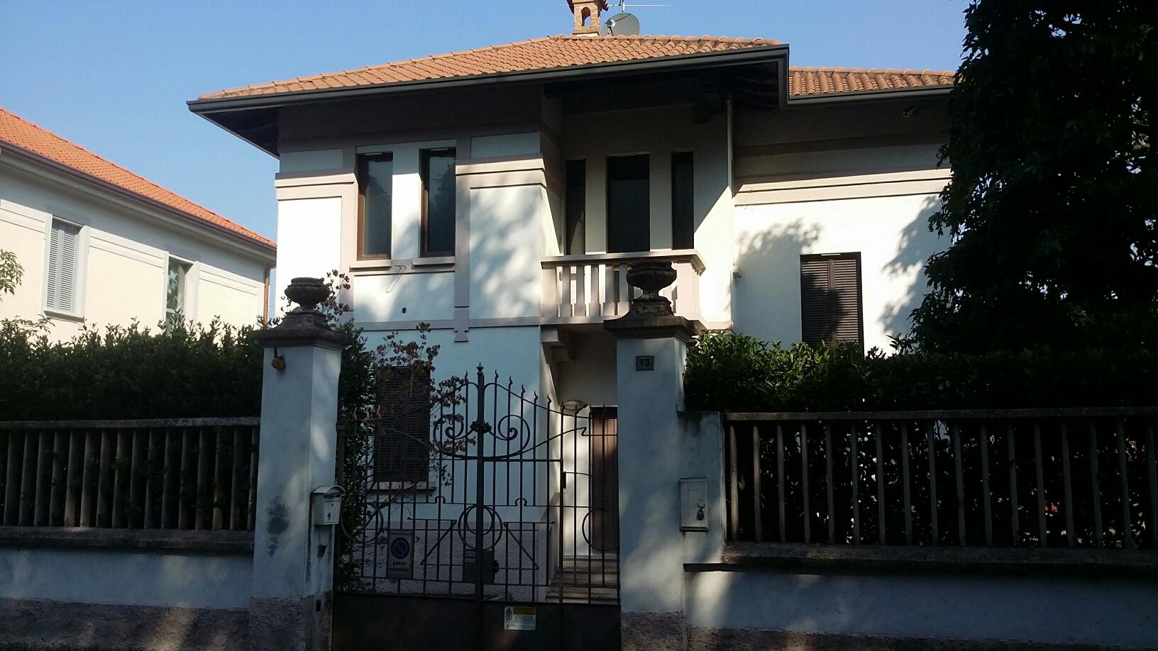 Villa in Vendita a Magenta