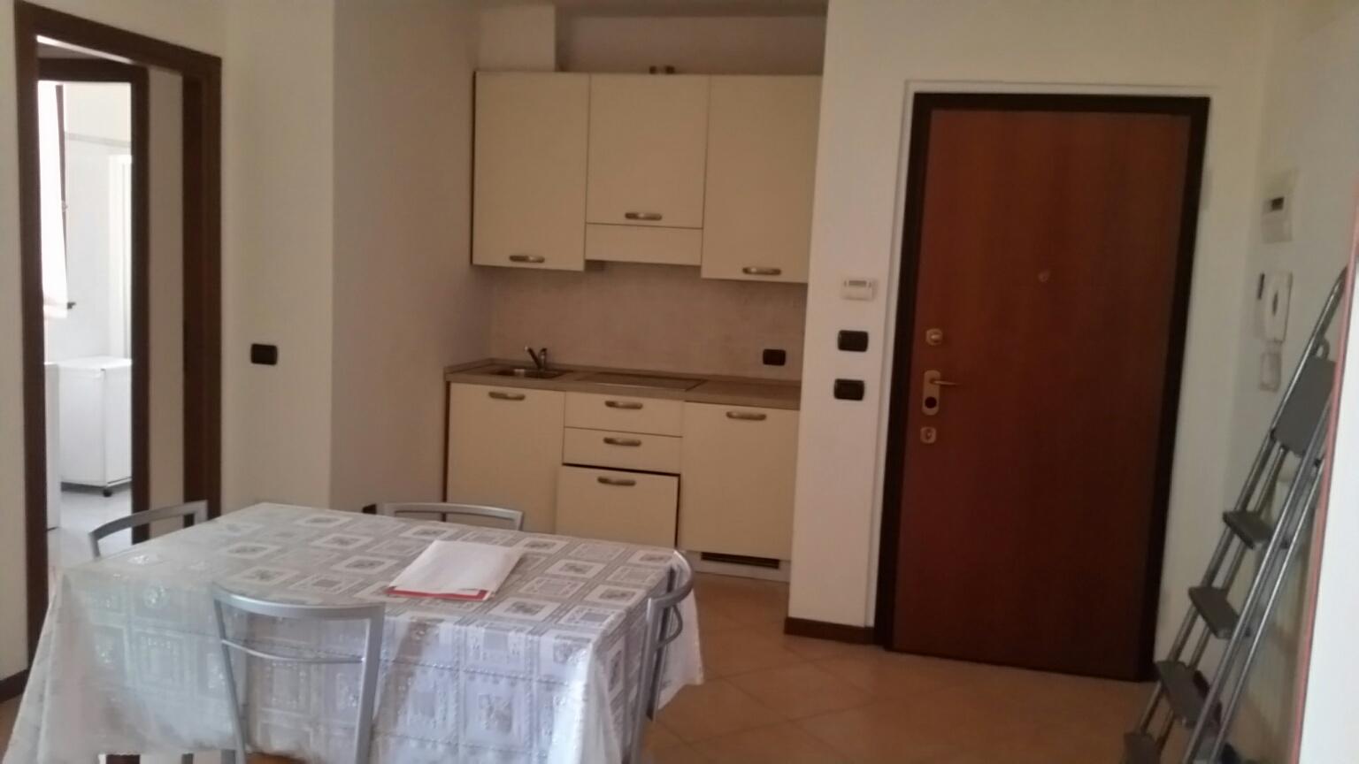 Appartamento in affitto a Rho, 1 locali, zona Località: Centro, prezzo € 600 | CambioCasa.it