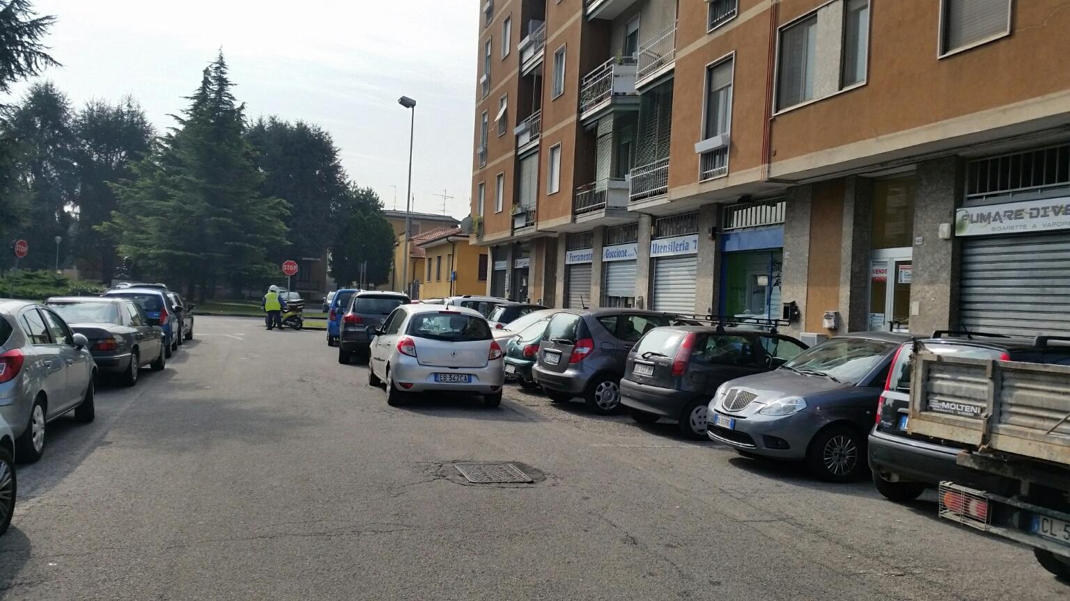 Negozio / Locale in affitto a Magenta, 9999 locali, prezzo € 700 | Cambio Casa.it