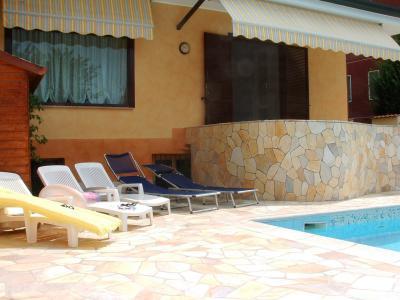 Porzione di villa bifamiliare in Vendita a Bareggio