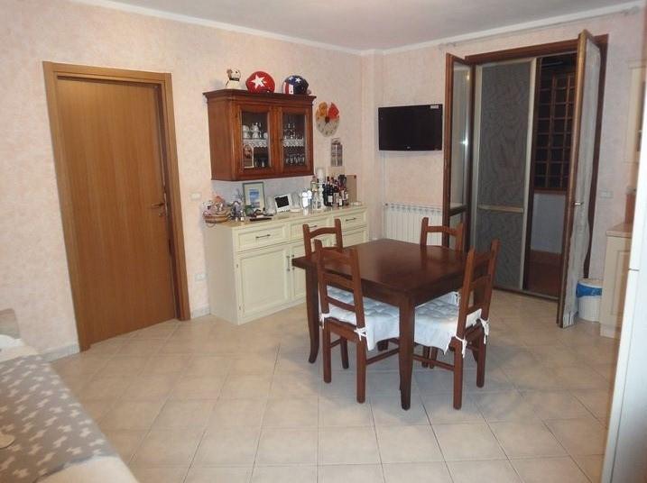 Bilocale Pontedera Via Fosso Nuovo 2