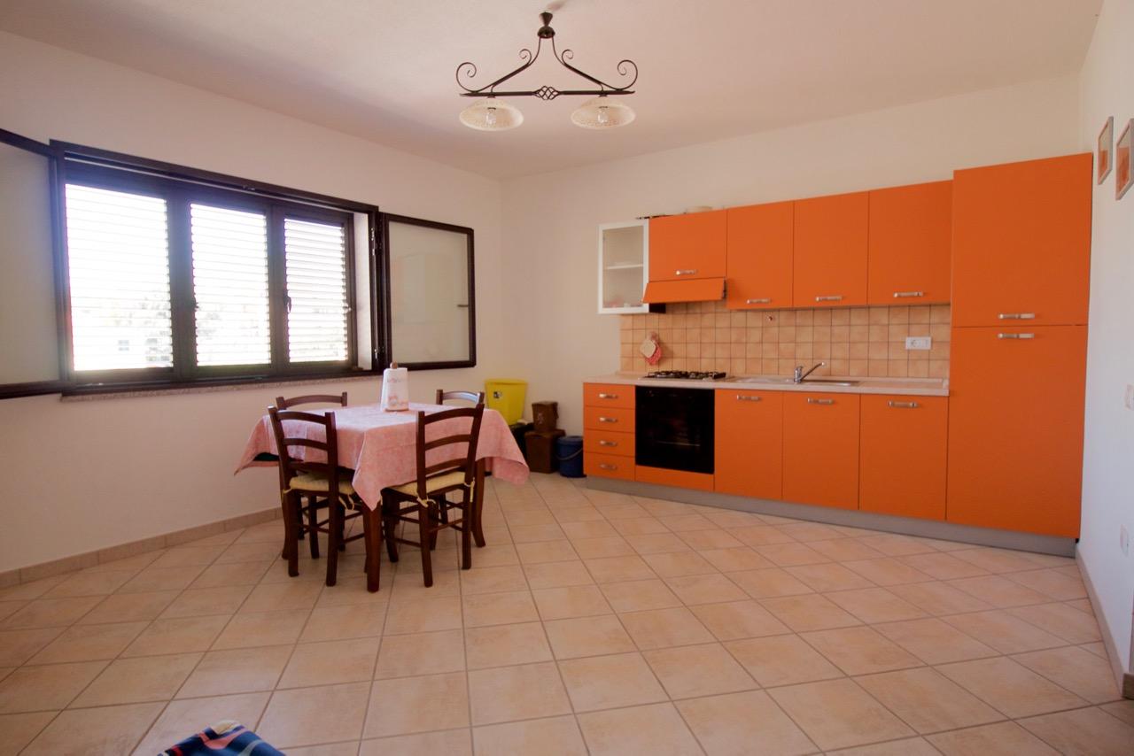 Appartamento in affitto a Orosei, 2 locali, prezzo € 650 | CambioCasa.it
