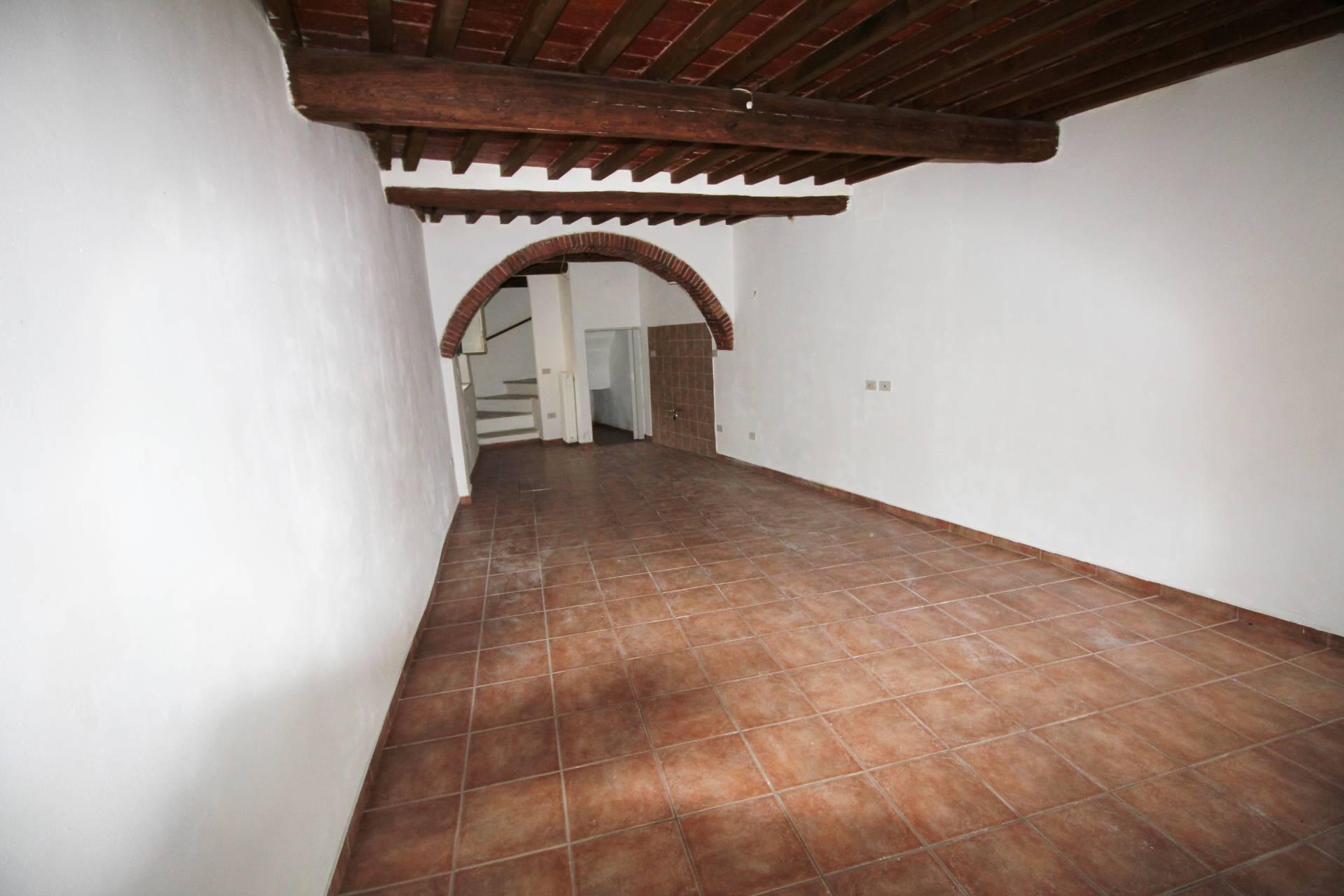Appartamento in affitto a Calci, 3 locali, zona Località: Calci, prezzo € 500 | CambioCasa.it