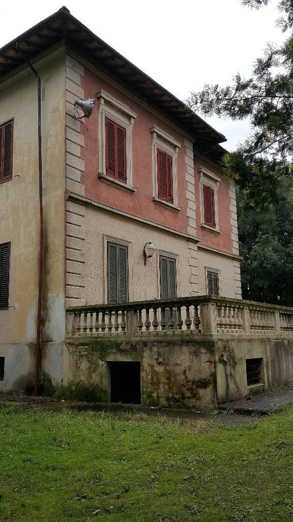 Villa in vendita a Collesalvetti, 15 locali, zona Zona: Vicarello, prezzo € 515.000 | CambioCasa.it