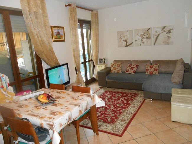 Appartamento in vendita a Calci, 4 locali, prezzo € 160.000 | CambioCasa.it